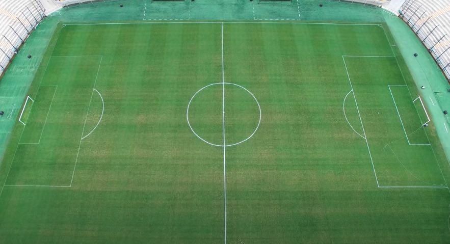 Circulo central de una cancha de fútbol o campo de soccer. Imagen del estadio campeón del siglo. estadio de peñarol