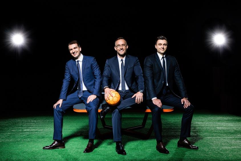 imagen de los creadores del teqball. La empresa Teqball fue fundada por Gábor Borsányi, Gyuri Gattyán y Viktor Huszár teqball reglas