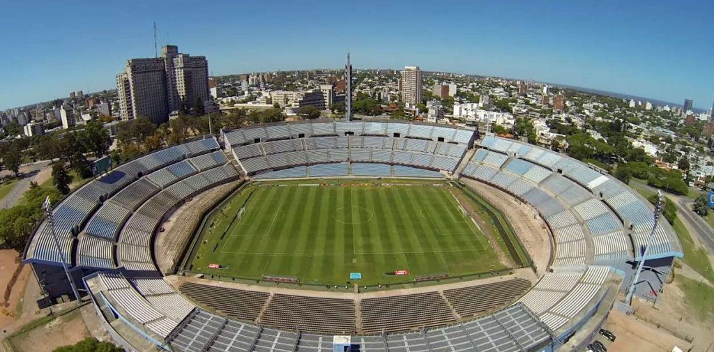 imagen del primer estadio mundialista de la selección uruguaya de futbol vista area del estadio centenario 1930